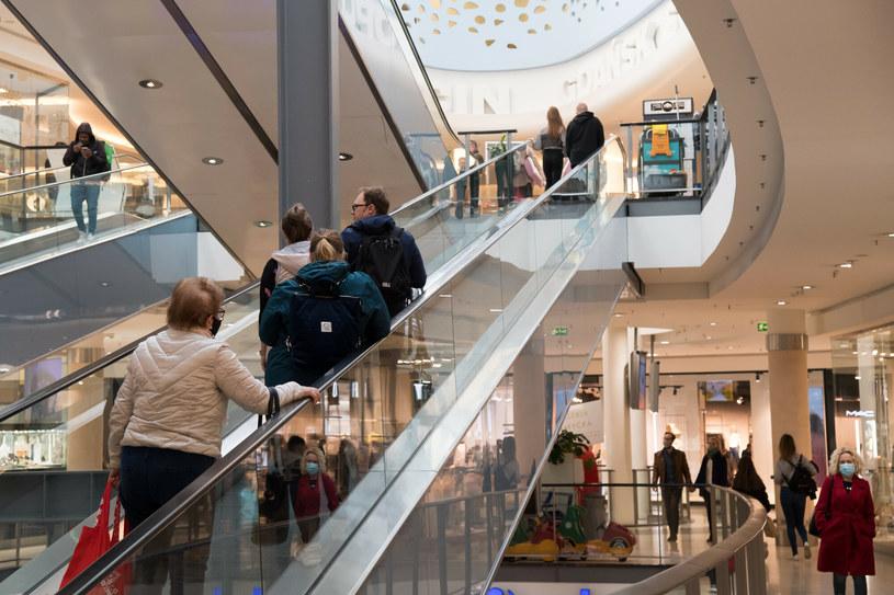 Odwiedzalność galerii handlowych: Wyniki niemal jak przed pandemią /Wojciech Stróżyk /Reporter