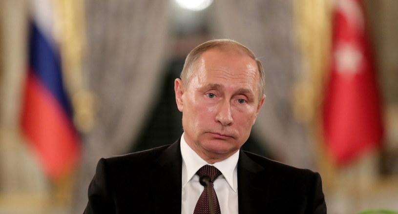 Odwołanie wizyty prezydenta Władimira Putina we Francji grozi nowymi sankcjami /PAP/EPA