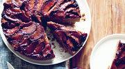 Odwrócone korzenne ciasto śliwkowe
