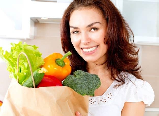 Odżywiaj sie zdrowo! /123RF/PICSEL