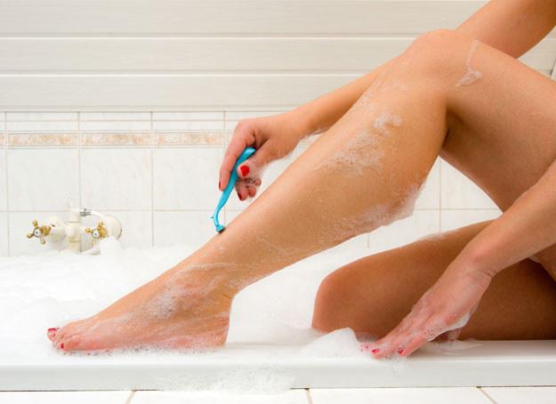 Odżywka do włosów nie zastąpi odpowiedniej pianki do golenia /123RF/PICSEL