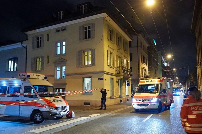 Ofiara ataku sprzed meczetu zmarła na skutek licznych obrażeń /AFP