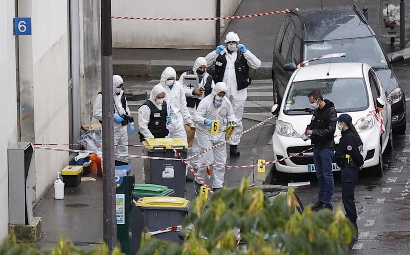 Ofiara piątkowego ataku terrorystycznego w Paryżu jest w bardzo ciężkim stanie /IAN LANGSDON /PAP