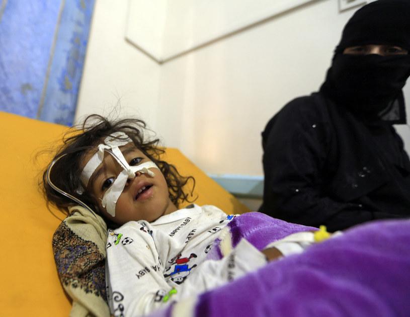 Ofiarami ostrzałów i nalotów padły dziesiątki ofiar cywilnych, w tym dzieci /MOHAMMED HUWAIS /AFP
