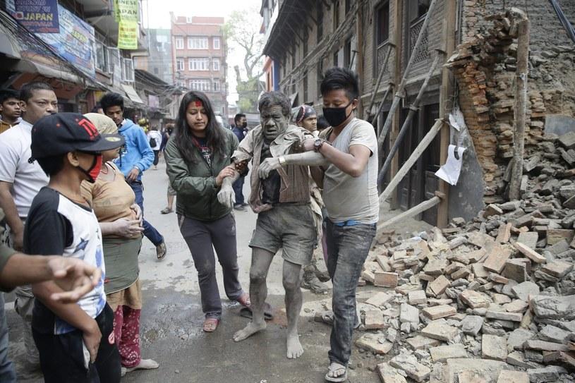 Ofiary trzęsienia ziemi w Nepalu /Narendra Shrestha /PAP/EPA