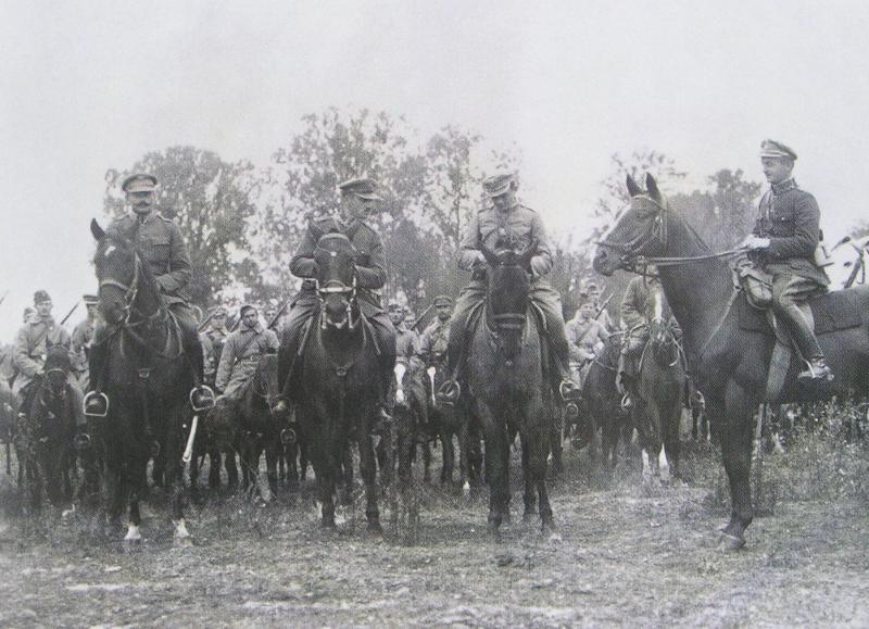 Oficerowie 1. Dywizji Jazdy w 1920 roku /INTERIA.PL/materiały prasowe