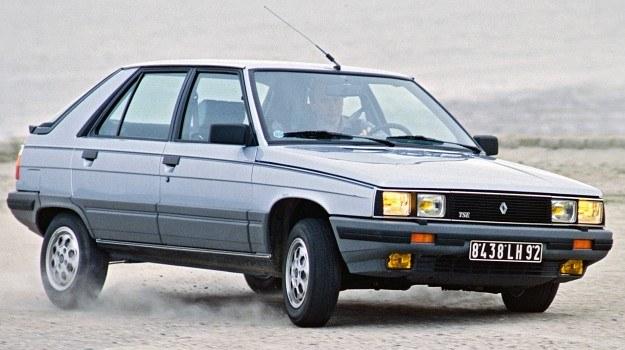 Oficjalna nazwa tego samochodu brzmi Renault 11 TSE Electronic. Na szczęście, póki co, ciągle jeszcze elementy zapewniające bezpieczeństwo, takie jak wycieraczki, reflektory, sygnały - włączane są drogą mechaniczno-elektryczną. /Renault