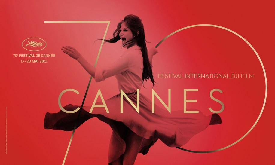 Oficjalny plakat festiwalu w Cannes przedstawiający Claudię Cardinale. Legenda kina na zdjęciu z 1959 roku została na plakacie cyfrowo odchudzona /FDC/BRONX/ARCHIVIO CAMERAPHOTO EPOCHE/GETTY /PAP/EPA