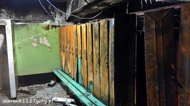 Ogień pojawił się w kopalnianej łaźni. Zniszczone są m.in. szafki na ubrania /112Tychy.pl /