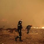 Ogień znów zagraża greckiej wyspie. Czy będzie konieczna ewakuacja turystów?