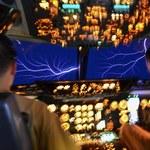Ognie świętego Elma widoczne z kokpitu Boeinga C-17