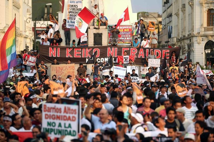 Ogólnokrajowy protest przeciw Keiko Fujimori /PAP/EPA