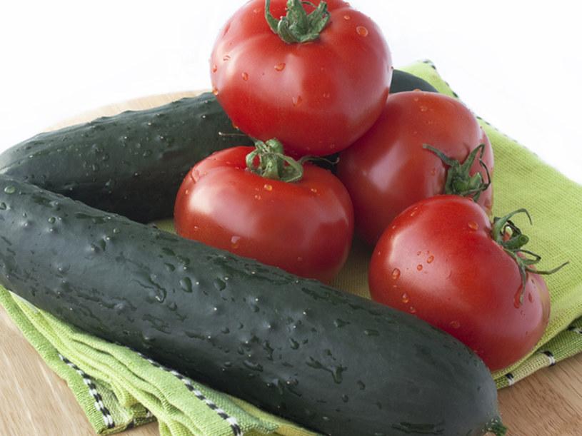 Ogórek neutralizuje pomidorową witaminę C  /© Panthermedia