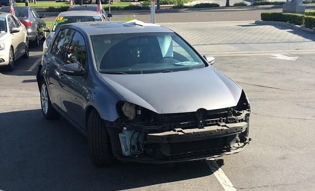 """""""Ograbiony"""", ale jeżdżący Volkswagen Golf /"""
