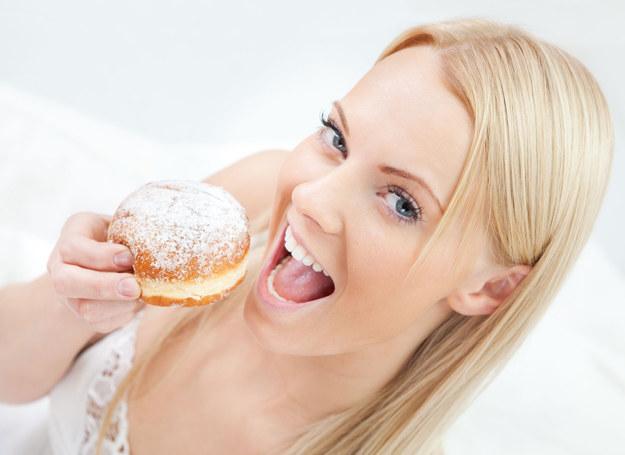 Ogranicz cukry, a efekty cię zadziwią... /123RF/PICSEL