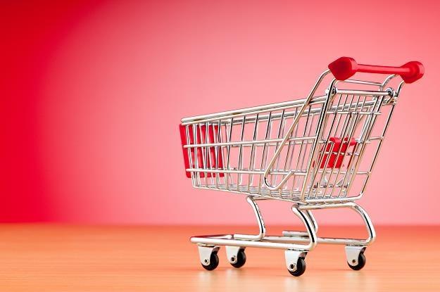 Ograniczenia w sklepach uderzą nas po kieszeni? /©123RF/PICSEL