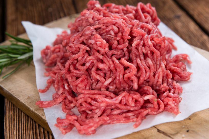 Ograniczenie spożycia mięsa oznacza troskę o klimat i przyszłość Ziemi /123RF/PICSEL