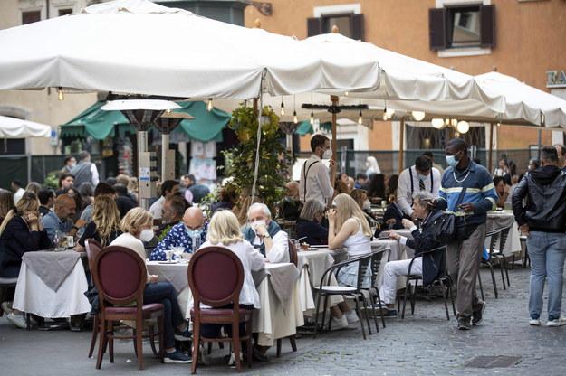 Ogródki restauracyjne w Rzymie /MASSIMO PERCOSSI /PAP/EPA