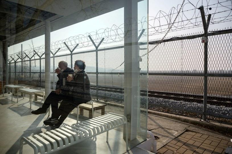 Ogrodzenie wyznaczające strefę zdemilitaryzowaną między Koreą Północną a Południową /AFP