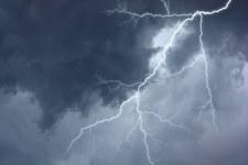 Ogromna burza nad Radomiem. Strażacy walczą ze skutkami