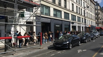 Ogromne kolejki przed sklepami. Paryż szykuje się na lockdown