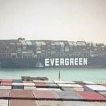 Ogromny korek na Kanale Sueskim. Kontenerowiec zablokował ruch