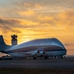 Ogromny samolot Super Guppy dostarczył kapsułę kosmiczną dla NASA