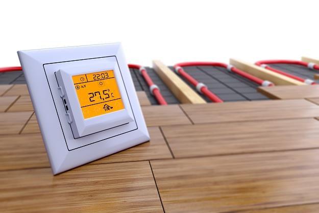 Ogrzewanie podłogowe to popularne rozwiązanie /©123RF/PICSEL