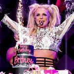 Ojciec Britney Spears zrzekł się kurateli! Piosenkarka odzyskała władzę nad swoim życiem