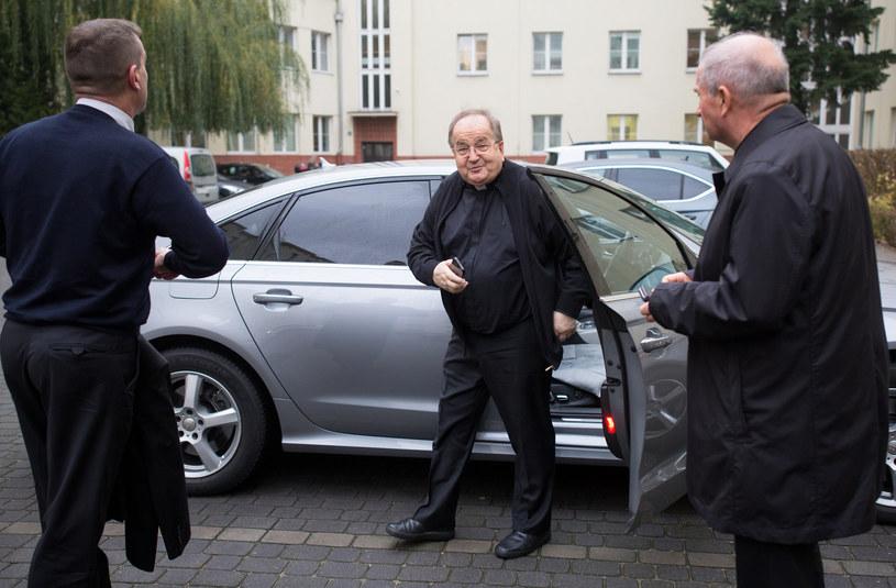 Ojciec Tadeusz Rydzyk na łamach TV Trwam poinformował o otrzymaniu od bezdomnego dwóch samochodów /Mateusz Wlodarczyk /FORUM
