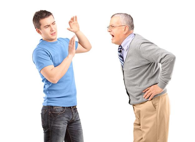 Ojciec wpadł w szał, nie dało się go uspokoić /123RF/PICSEL