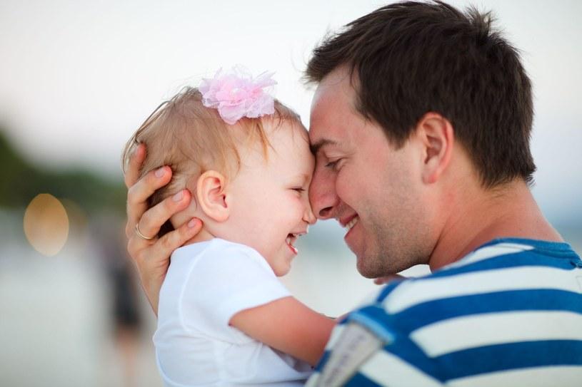 Ojcowie, którzy walczą o opiekę nad dzieckiem, muszą pokonać wiele przeciwności /123RF/PICSEL