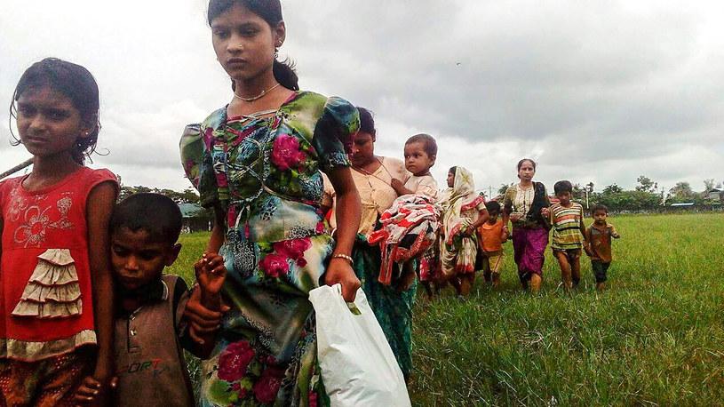 Ok. 4 tys. osób ewakuowano z rejonu walk na północnym zachodzie Birmy /Wai Moe /AFP