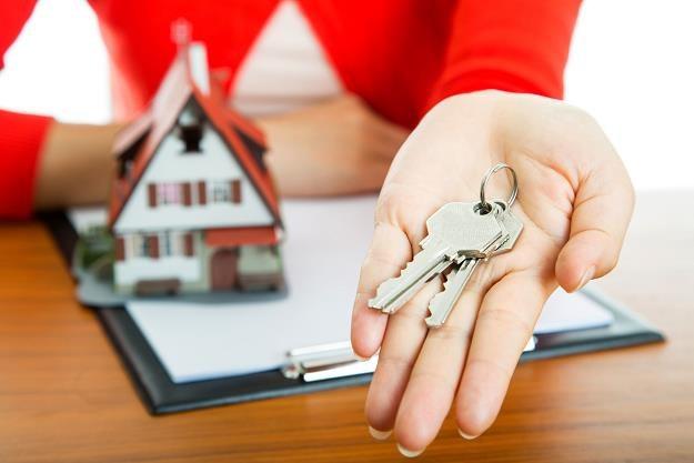 Ok. 40 proc. społeczeństwa z różnych przyczyn nie stać na kupno mieszkania /©123RF/PICSEL