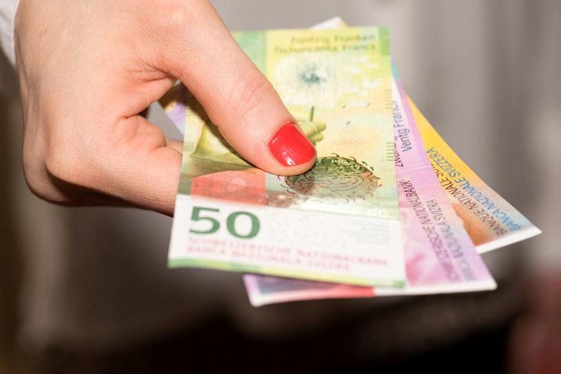 Ok. 5 proc. frankowiczów sądzi się już z bankami, to jest ok. 25 tys. procesów. /123RF/PICSEL