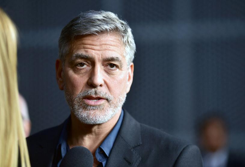 Okazało się, że George Clooney jest utalentowanym fryzjerem /Rodin Eckenroth /Getty Images