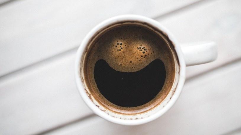 Okazuje się, że picie kawy mocno zmienia strukturę mózgu. Na gorsze? /Geekweek