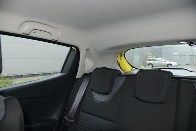 Okienko w tylnym słupku jest symboliczne – widoczność w tył okazuje się kiepska. /Motor