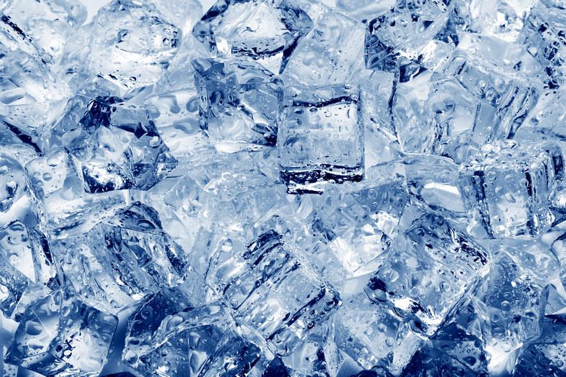 Okład z lodu jest bardzo pomocny