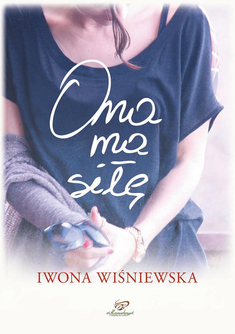 """Okładka książki """"Ona ma siłę"""" /Styl.pl"""
