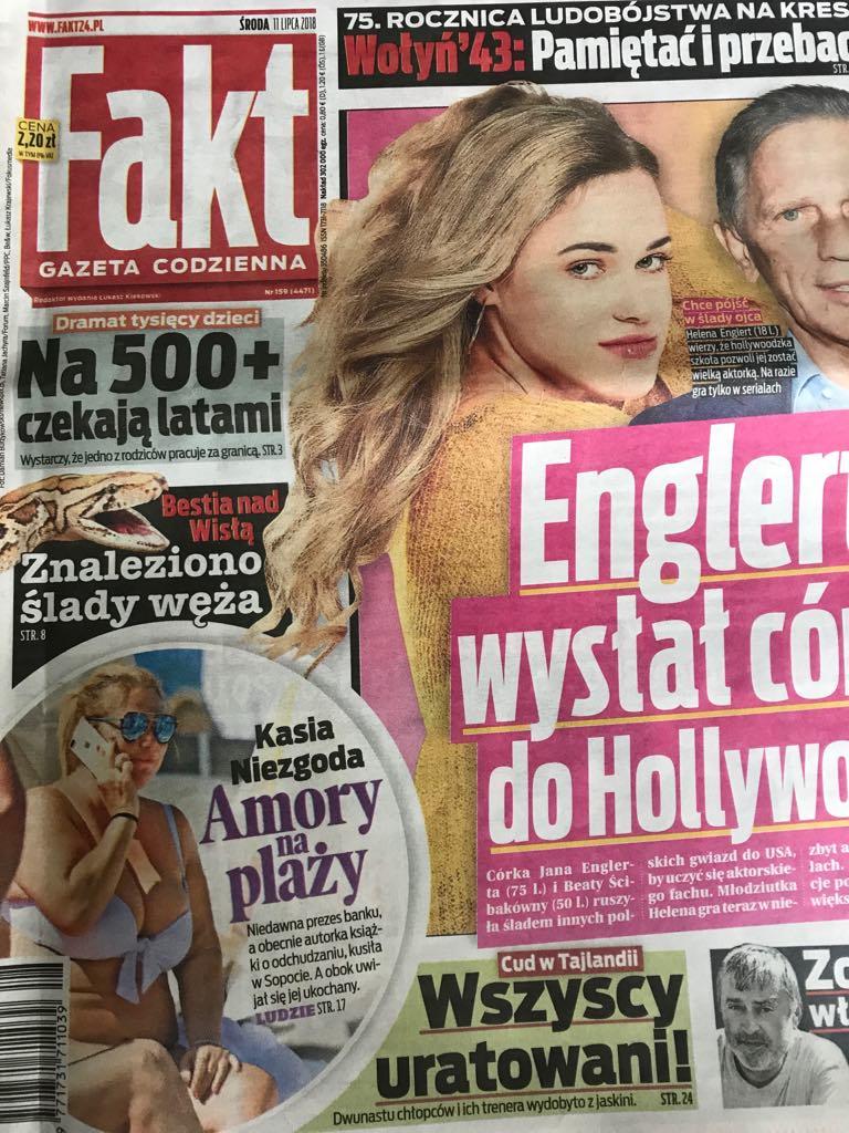 """Okładka najnowszego """"Faktu"""" z sexy Kasią w stroju kąpielowym! /materiały prasowe"""