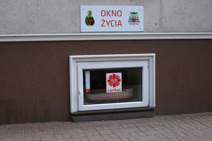 Okno Życia przy Specjalnym Ośrodku Wychowawczym Zgromadzenia Sióstr św. Elżbiety w Ostrowie Wlkp. /PAP/Tomasz Wojtasik /PAP