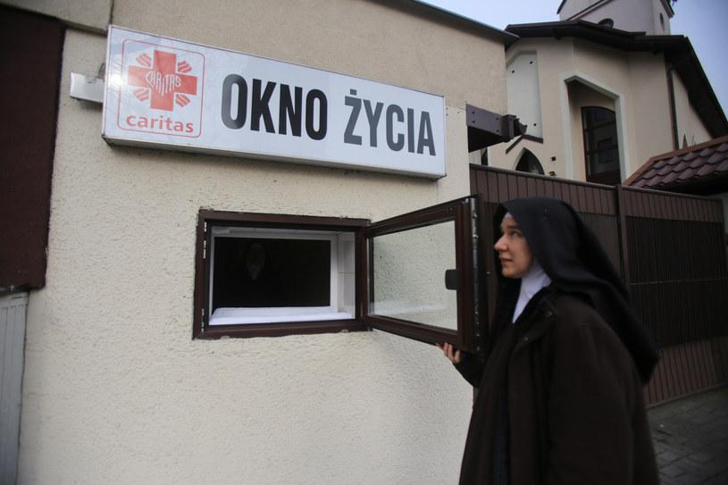 Okno życia w Sosnowcu /MARZENA BUGALA- AZARKO/Polska Press /East News