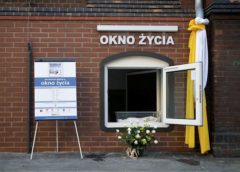 Okno życia /Miłosz Poloch /Reporter