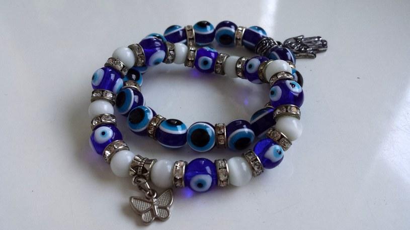 """""""Oko proroka"""" znajdziemy między innymi w biżuterii /123RF/PICSEL"""