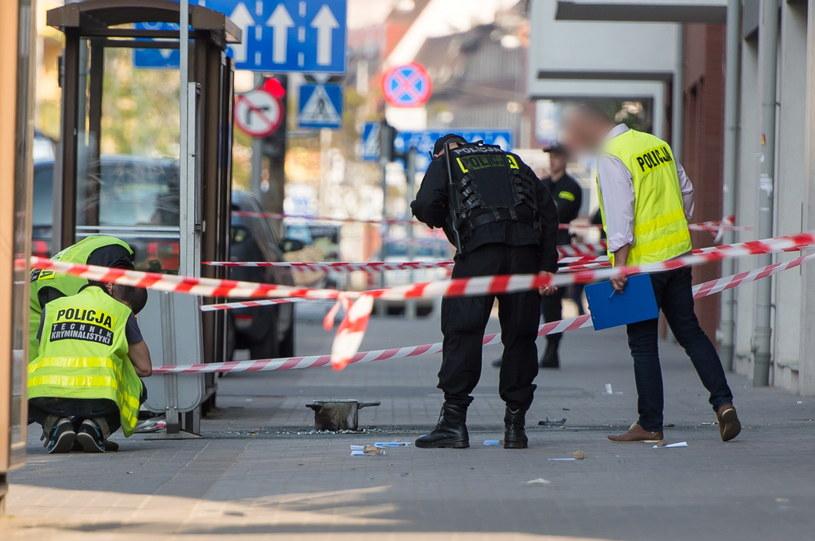 Okolice przystanku autobusowego na ulicy Kościuszki we Wrocławiu, w którym 19. maja doszło do eksplozji pojemnika z nieustaloną na razie substancją /Maciej Kulczyński /PAP