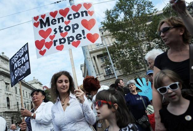 Około 500 feministek manifestowało w niedzielę na placu Kossutha /AFP