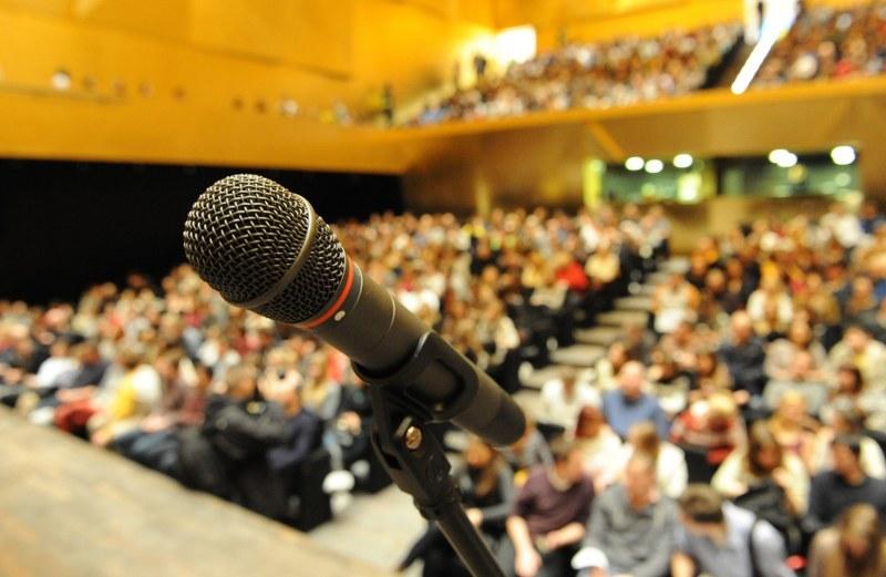 Około tysiąca osób wzięło udział w badaniach akustycznych /Marcin Bielecki /PAP