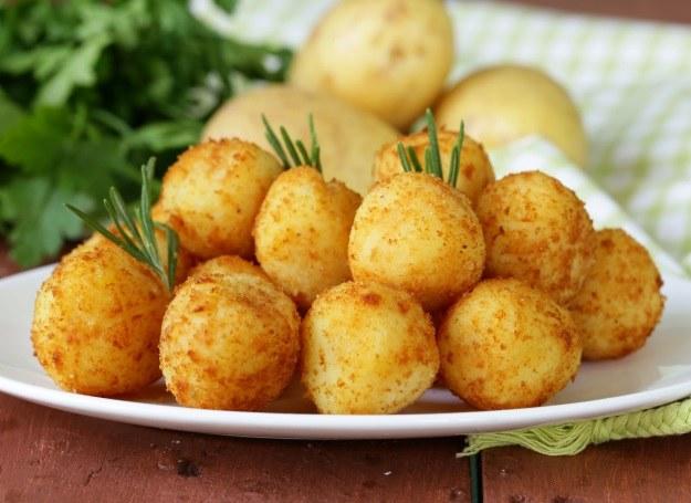 Okrągłe krokieciki z ziemniaków /123RF/PICSEL