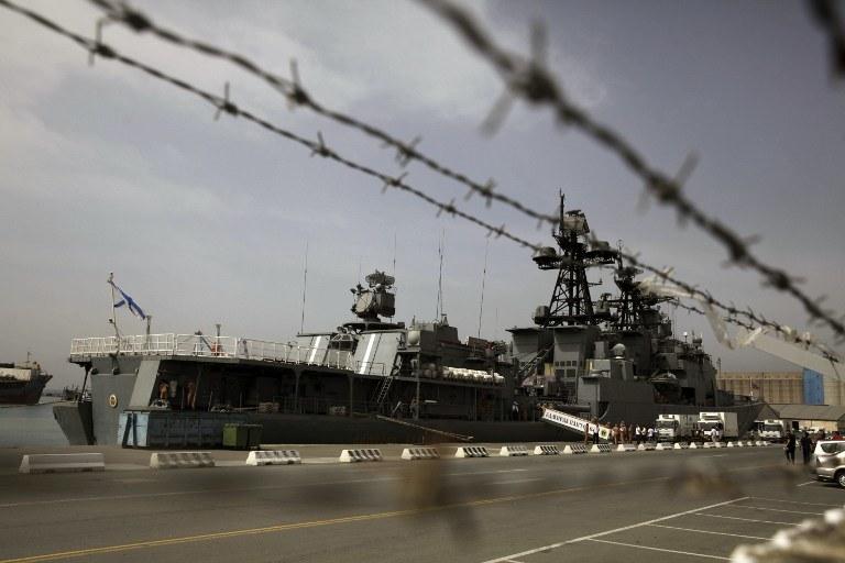 Okręt floty rosyjskiej cumuje w cypryjskim porcie. /AFP